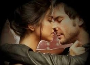 Он мысленно её поцеловал